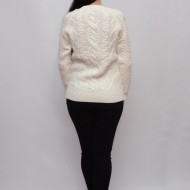 Bluza calduroasa cu decolteu mic si maneca lunga, nuanta de alb