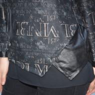 Bluza casual Ida ,impriemu cu scris si insertii de piele,neagra