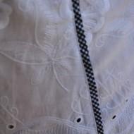 Camasa alba cu paspoal in carouri marunte cu bleumarin