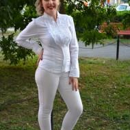 Camasa casual, decorata  cu volanase, albe