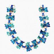 Colier trendy cu design elegant din strasuri si cristale colorate