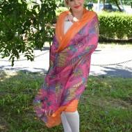 Esarfa tinereasca cu fond roz, bordura portocalie, dreptunghiulara