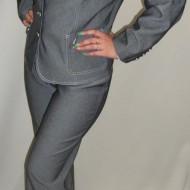 Pantalon de culoare gri deschis cu talie normala si croi clasic