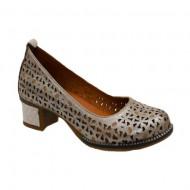 Pantof casual in nuanta de auriu usor lucios si perforatii deosebite