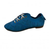 Pantof tineresc, de culoare albastra, din piele naturala perforata