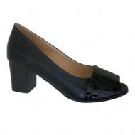 Pantofi cu toc mediu, eleganti, negri, decupati in fata, combinatie cu lac