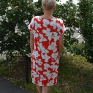 Rochie cu flori albe pe fond rosu cu maneca scurta