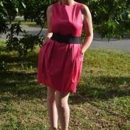 Rochie de culoare roz, model gogosar cu curea lata in talie