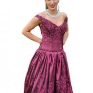 Rochie eleganta, marsala, cu croi asimetric si margele aplicate