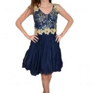 Rochie fashion din tul nuanta bleumarin cu broderie aurie