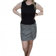 Rochie in trend , de culoare negru-alb ,maneci detasabile