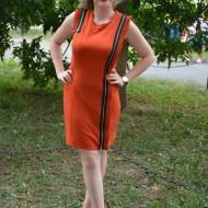 Rochie sexi, de culoare portocalie,cu fermuare aurii