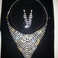 Set de bijuterii rafinat, argintiu,ideal  pentru evenimente speciale