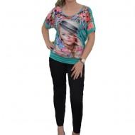 Tricou deosebit cu imprimeu foto asezat pe fond floral