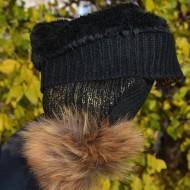 Caciula neagra cu model auriu aplicat si captuseala din blanita