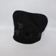 Caciula Suzane accesorizata cu petale 3d si insertii de strasuri,nuanta de negru
