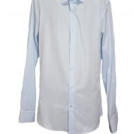 Camasa simpla albastru deschis, model slim cu maneci lungi
