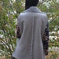 Cardigan tip vesta Adda,piele intoarsa ,croi asimetric ,nuanta de gri