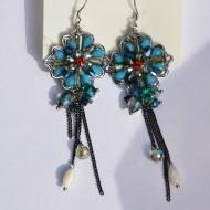 Cercei fashion din metal argintiu decorat cu pietre albastre