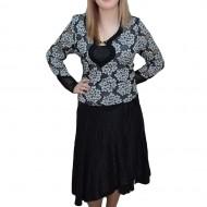 Fusta fashion din material lucios, nuanta de negru, cu croi modern