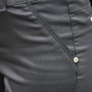 Pantaloni Jenny cu dungi subtiri ,nuanta de negru