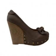 Pantof bej cu platforma, toc inalt si varf rotund, decorat cu funda