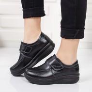 Pantof de toamna, primavara, de culoare neagra, cu talpa groasa