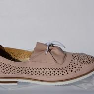 Pantof fashion, nuanta de alb, toc comod si in tendinte