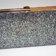Poseta tip clutch de ocazie,cadru metalic, nuante multicolor,argintiu-negru,auriu