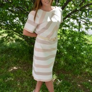 Rochie chic de vara cu design de dungi roz somon, masura mare