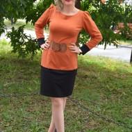 Rochie de zi, moderna, portocalie, cu o curea lata maro