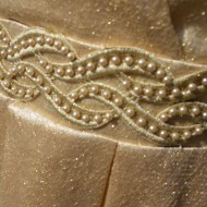 Rochie deosebita de seara, material fin cu fir auriu in tesatura