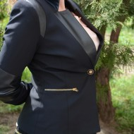 Sacou dama, de culoare neagra cu inserti de piele ecologica