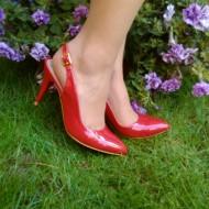 Sanda tip pantof, de culoare rosie, cu toc de inaltime medie