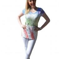 Tricou de culoare alba, cu imprimeu multicolor in fata, casual