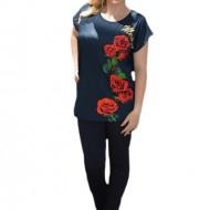 Tricou tineresc cu strasuri si model cu trandafiri, fond bleumarin