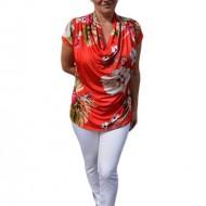 Bluza casual , nuanta de rosu cu imprimeu multicolor