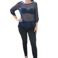 Bluza de culoare albastra, din material tricotat, model modern