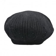 Caciula Ella fashion calduroasa cu insertii de strasuri ,nuanta de negru