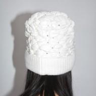 Caciula Senny calduroasa,model matlasat lucios,nuanta de alb