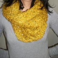 Esarfa moderna, de culoare galben, negru, alb,plamaniu