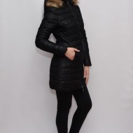 Jacheta neagra, din fas, cu design de dantela aplicata deasupra