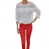 Pantalon tineresc cu design floral pe fond rosu, model lung