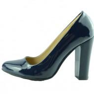 Pantof de culoare bleumarin din material moale cu aspect lacuit