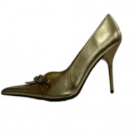 Pantof rafinat, nuanta aurie, cu varf ascutit, toc subtire, modern