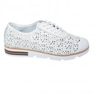 Pantofi dama cu perforatii si siret,nuanta de alb