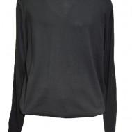 Pulover casual, nuanta de negru, ideal pentru a se purta cu jeansi