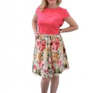 Rochie de zi, cu fusta multicolora si bluza roza, cu maneca scurta