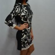 Rochie deosebita cu imprimeu negru pe fundal alb, model casual