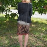 Rochie rafinata, cu fusta neagra si un imprimeu original